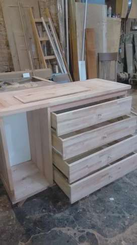 Mueble tipo cómoda de madera masizo