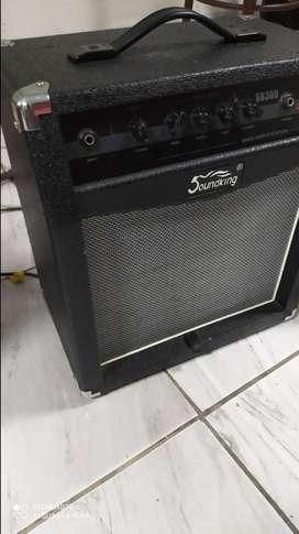 Amplificador de Bajo 35 watts Importado s/. 370