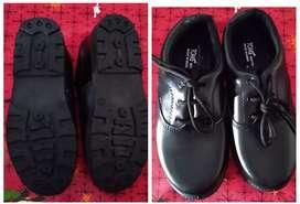 Zapatos negros nuevos