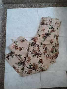 Pantalón militar camuflado