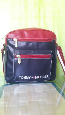 Hermoso manos libres Tommy Hilfiger