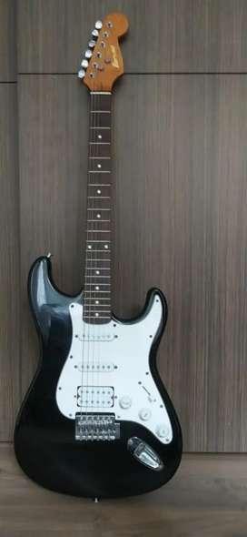 Venta de guitarra electrica vorson V-155 con amplificador
