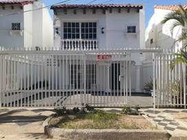 Hermosa casa en barrio residencial