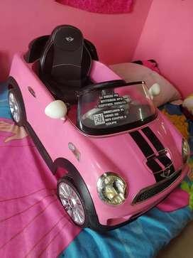 Mini Cooper eléctrico de batería para niña 450 negociables excelente estado