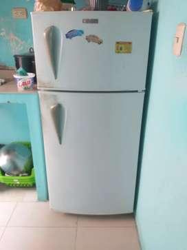 Refrigeradora en buen estado, funciona 100%