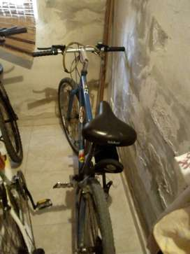 Bicicleta todo terreno estado general muy bueno