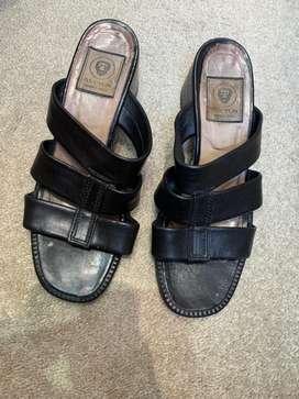 Sandalias Negras talle 36 usadas