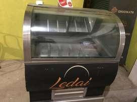Maquina de helado + Vitrina de helados