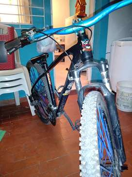 Se vende bicicleta On-Trail Quez 2019