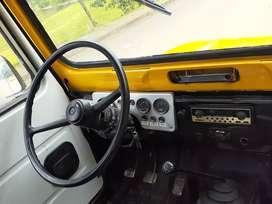 Carro daihatsu modelo 1977 en excelente estado como nuevo