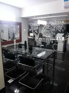 San Nicolás Centro. Excelente oficina de 295m2 piso alto.