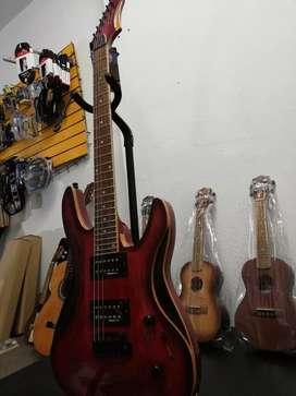 Guitarra eléctrica palmer (Indonesa)