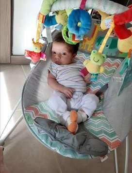 Vendo silla vibradora para bebé