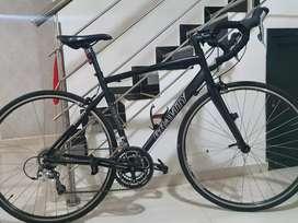 Bicicleta de ruta grupo Shimano tiagra con triplato