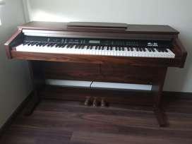Piano Modelo No: ARK 8890 Excelente Estado Ganga