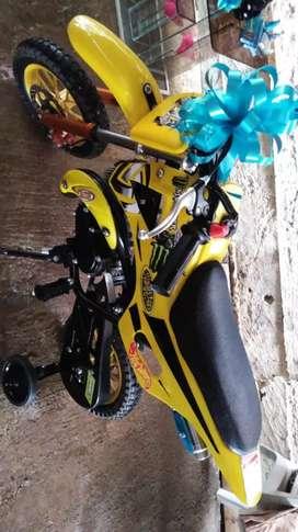Vendo moto para niño