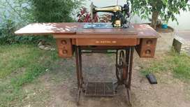 Maquina de coser royal antigua