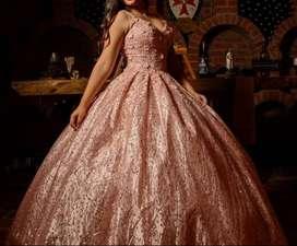 Vendo vestido de XV años nuevo