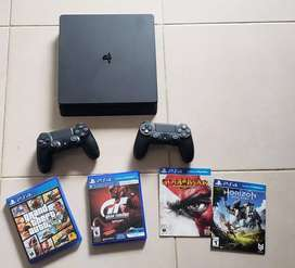 PS4 SLIM 500 GB - Casi Nueva - 1 mes de uso