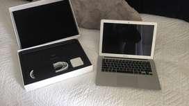 """MacBook Air 13"""" del año 2015, 4gb de RAM, 128gb SSD"""