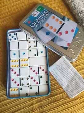 Domino en caja metalica