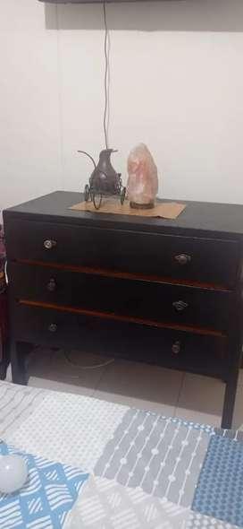 Se vende cajonera fina madera excelente precio