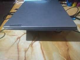 Laptop lenovo corei3 10ma. Generación 9.9/10. Por motivos de salud