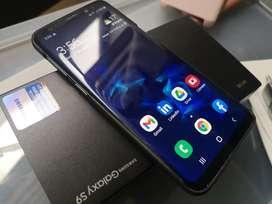 Samsung S9 64GB edge, 4GB Ram,  Dual SIM, estado impecable.  Obsequio 4 fundas y vidrio