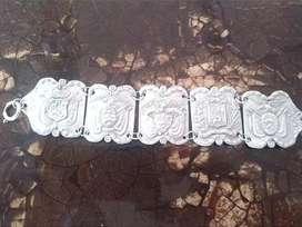 Pulcera Antigua En Aleacion De Plata De Escudos Sur America