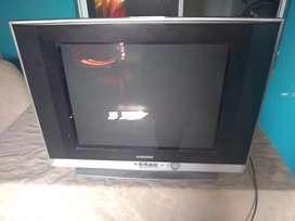 Vendo TV Samsung (culón) Con  control