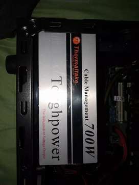 Fuente de poder thermaltake 700w