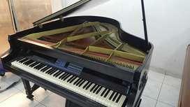 Piano Electrónico en Mueble de Acústico
