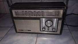 Vintage Radio National de cuatro bandas