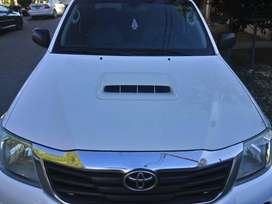 TOYOTA HILUX DX PACK 2.5 MODELO 2013