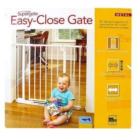 Puerta De Seguridad Bebé - Marca North States-blanco