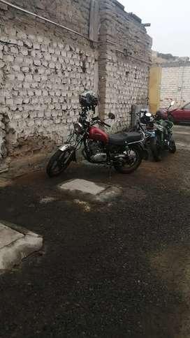Moto Suzuki gnh 125