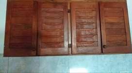 Vendo alacena de algarrobo de cuatro puertas