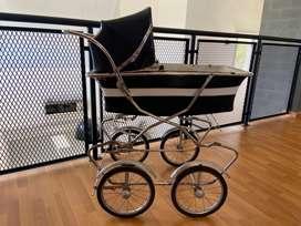 Carro antiguo para bebe