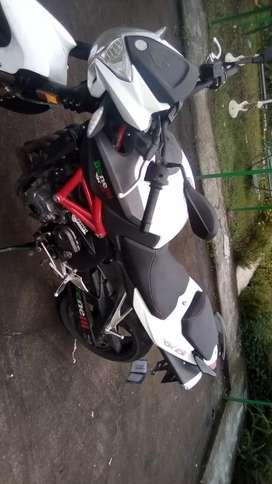 Vendo moto Benelli 600 casi nueva