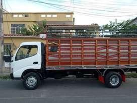 De oportunidad, se vende elegante y bonito camión marca HINO año 2012 modelo 816