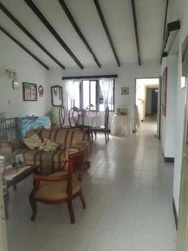 Casa San Judas 2 piso, Consta de 3 habitaciones con clóset, 2 baños, 1 salón auxiliar, 1 patio y cocina