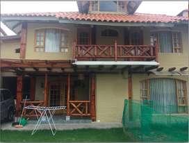 Cumbya - La Primavera Alta Casa Rustica de Venta en Urb. Privada