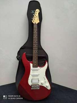 guitarra eléctrica, poco uso, perfecto estado, yamaha pacífica