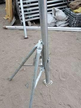 Tripodes Galvanizados o Pintados para puntales metalicos