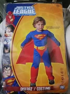 Vendo disfraz en buen estado para niño de superman bebé