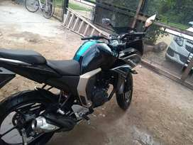 Vendo moto fazer fz Fi modelo 2018 150cc