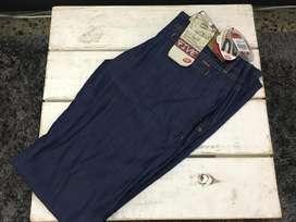 Pantalón para Mujer Nuevo Marca EDC - Precio Negociable!!!
