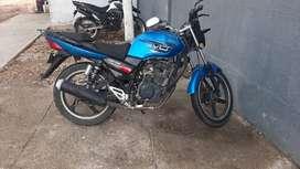 Vendo moto AKT 125 MODELO 2012