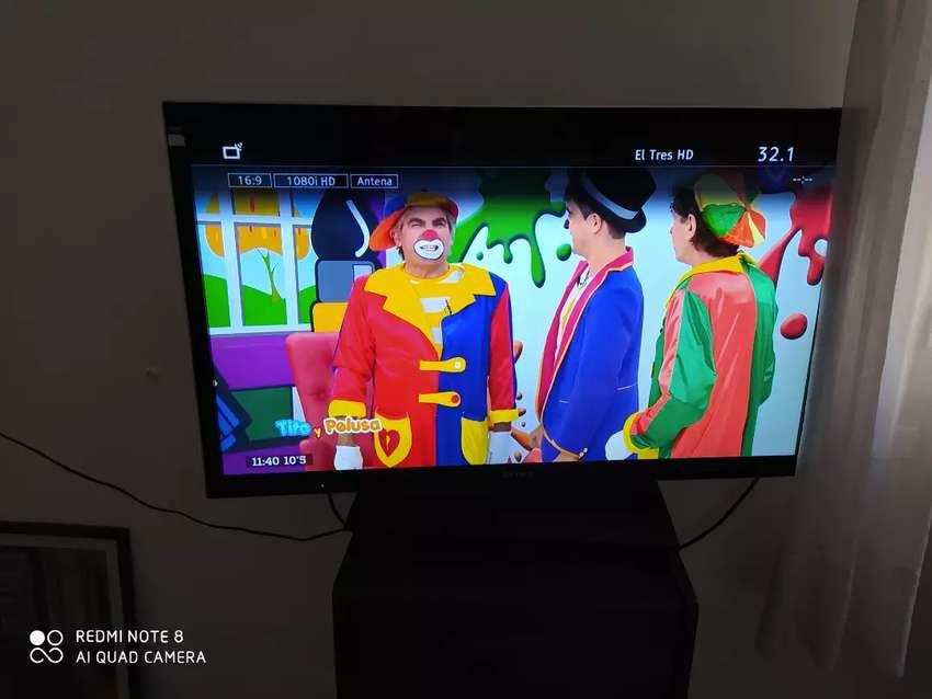 TV LED SONY BRAVIA 40 PULGADAS 3D 0