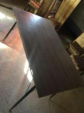 Mesa extensible de hierro y madera vintage